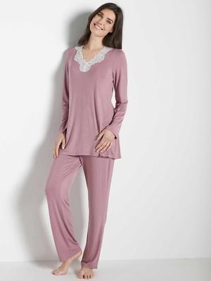Pyjama en maille avec dentelle