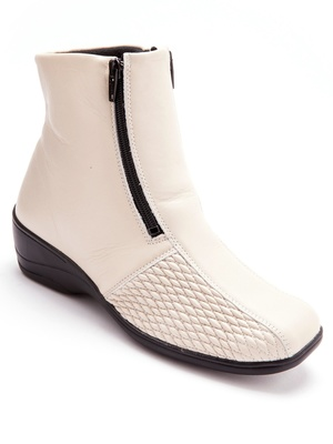 Boots pieds sensibles, grande largeur.